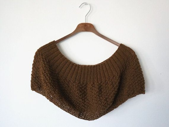 SCARF or SHRUG extra light warm and hand made pure por IsettaTricot