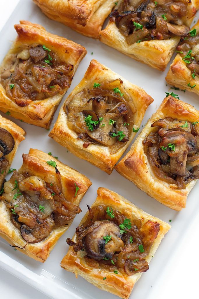 22 Favorite Ways to Use Puff Pastry: Gruyere, Mushroom, and Caramelized Onion Bites Puff Pastry Tarts | http://glitterinc.com | /glitterinc/