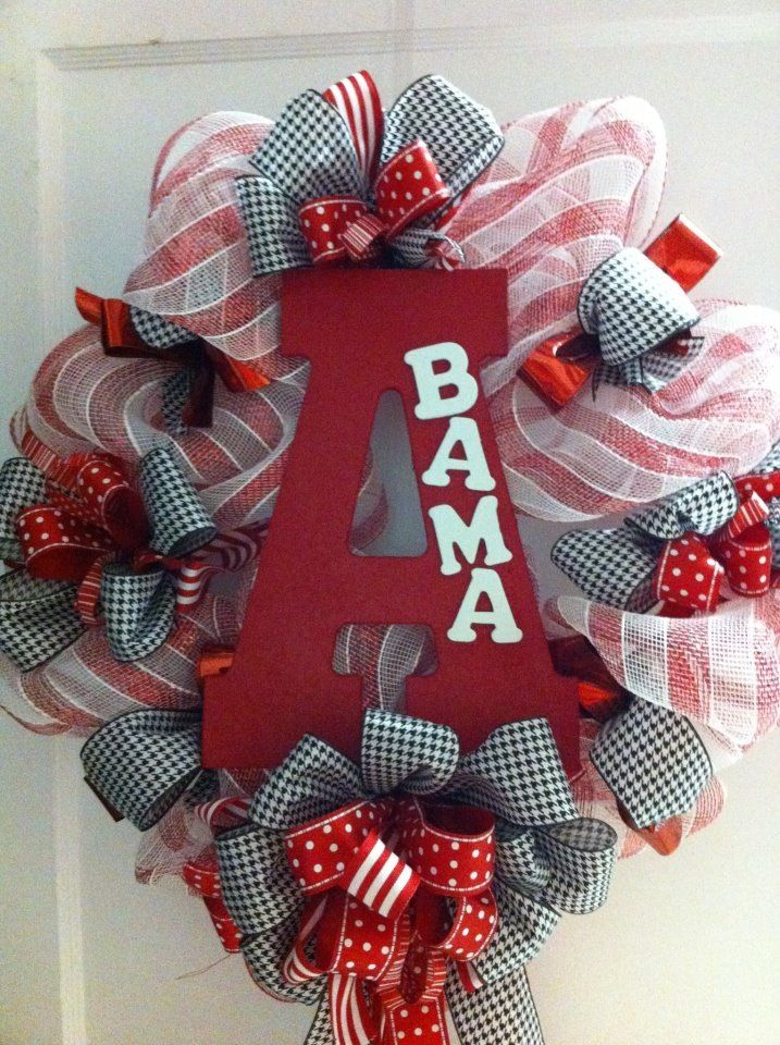 Alabama Football Wreath Sally would freak! Football season!!!