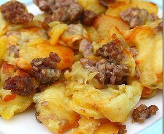 La salsiccia con patate e scamorza affumicata