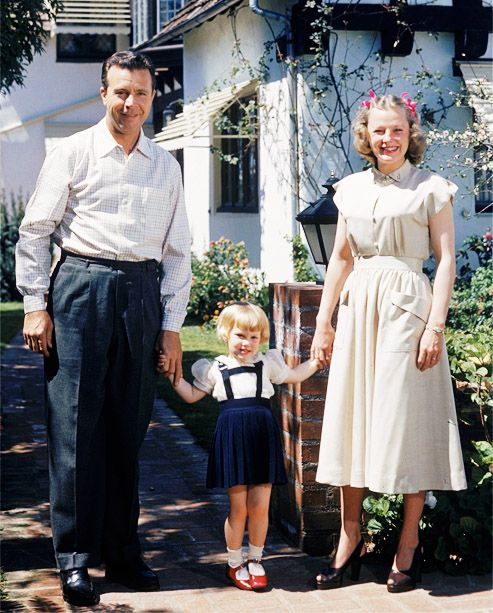 Dick Powell and June Allyson (and daughter) @Norma Griggs Gilbert via Chyme Lady