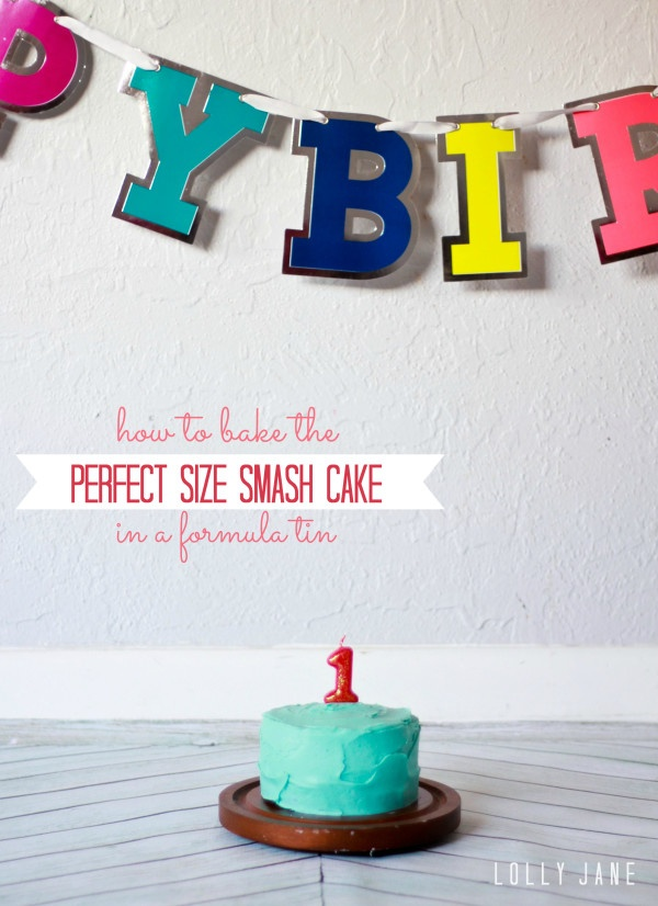 Bake the PERFECT size smash cake, you will be surprised to see what the baked this cute little cake in!! #smashcake #birthday