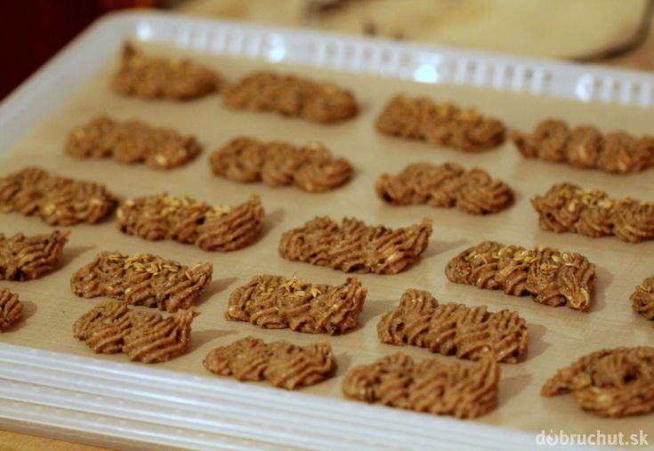 Raw orechové sušienky
