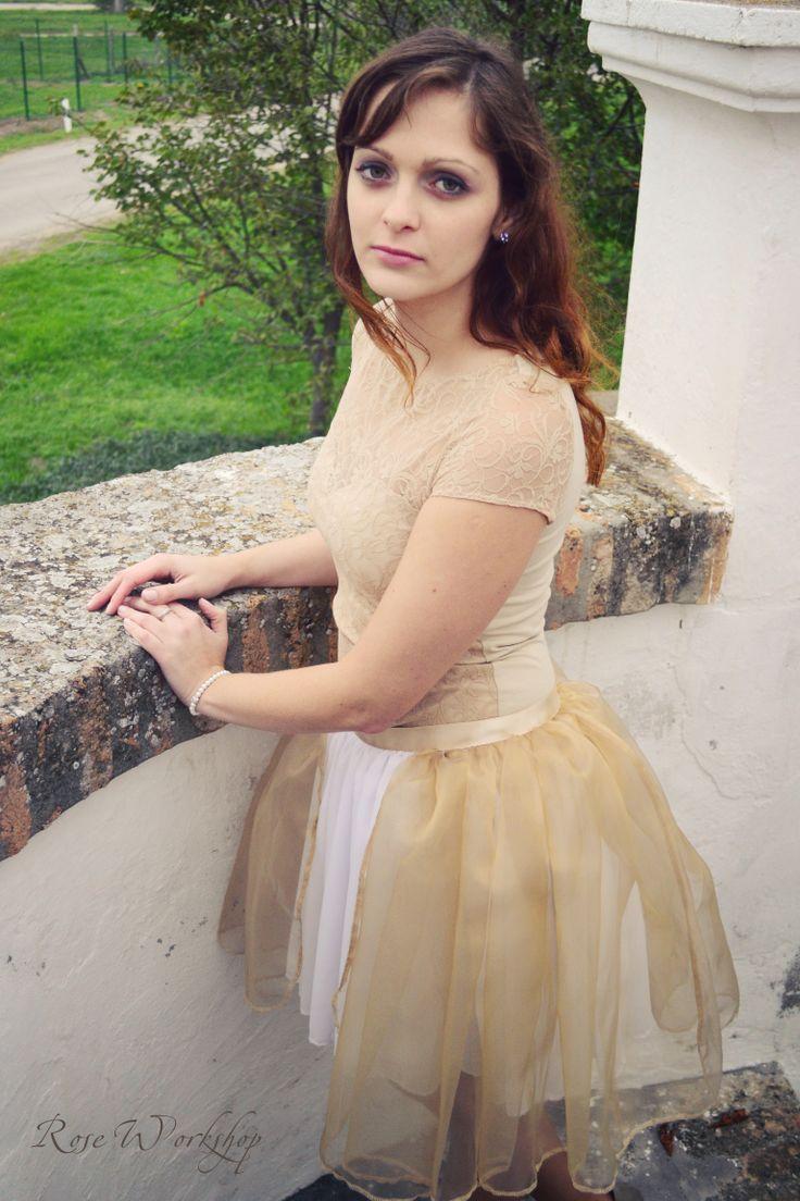Rose Dresses: Fall/Winter 2012/13 Photo: Zsóka Teszler Jewellery, clothes and style: Rose Workshop  Rose rucik: 2012/13 ősz/tél Fotó: Teszler Zsóka Ékszer, ruha és stílus: Rózsa Műhely