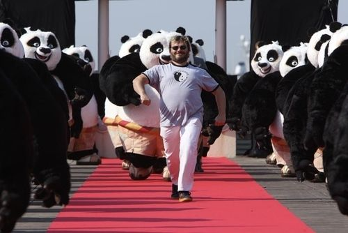 JACK BLACK IS LITERALLY LEADING AN ENTIRE ARMY OF PO COSTUMES HOW IS THIS PICTURE NOT ALL OVER PINTEREST