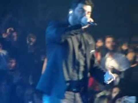 ginetai (louloudopolemos) pantelis pantelidis live sto teatro music hall - YouTube