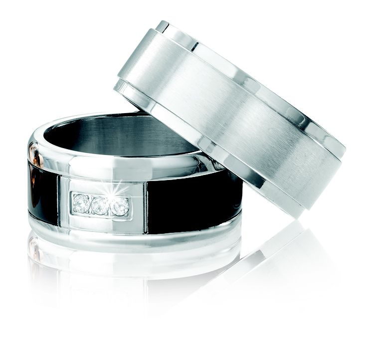 Spring Collection: Stainless Steel and Titanium Tsar Rings For Men *Valid until 6 Nov 2013 My hubby would love this #myNWJwishlist