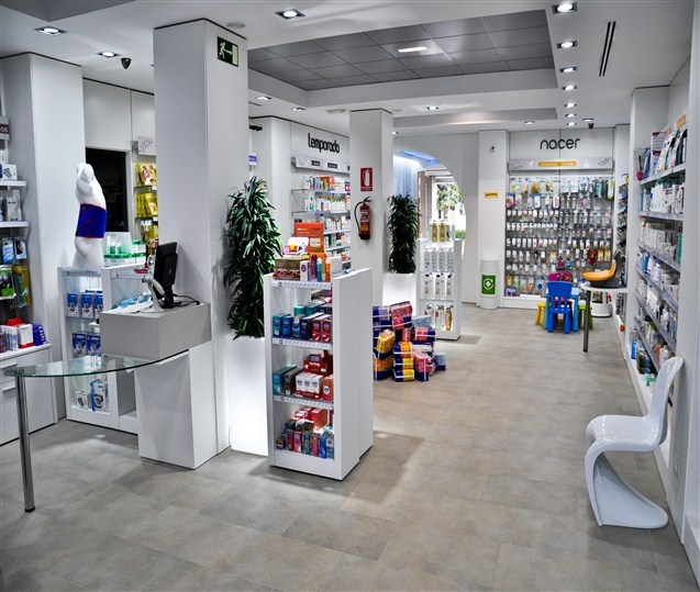 Furniture Retail Stores: 1000+ Images About Retail Design Pharmacy On Pinterest
