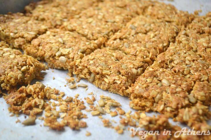 Crunchy cereal granola bars with apple and cinammon - Τραγανές μπάρες δημητριακών με μήλο και κανέλα - #vegan #glutenfree #granola #bars