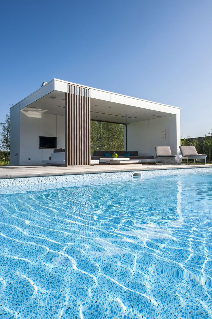 Modern poolhouse in trespa
