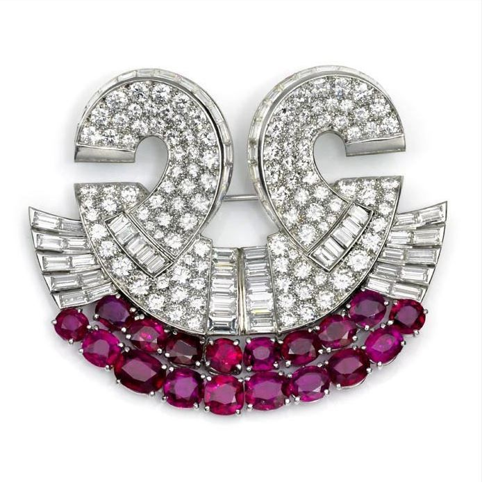 art deco jewellery essay Art nouveau jewellery encompassed many distinct features including a focus on the female form and an emphasis on the style has become popularly known as art deco.