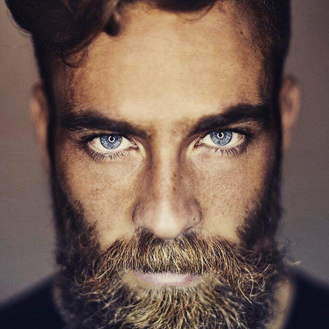 Ciao Mamma se con la barba sono bello è colpa Mia ?  #beautifulbeard #beardmodel #beardmovement #Roma #beard #barba #barbudo #beautiful #Torino #fullbeard #barber #barbuto #barbershop #Milano #outfit #RebelMoustache #fashion #stile #style #Padova #baffi #manstyle #manstuff #italy #Moustache #model #modello  @sam.fzr  @polarizador Grazie a @beardmuscles