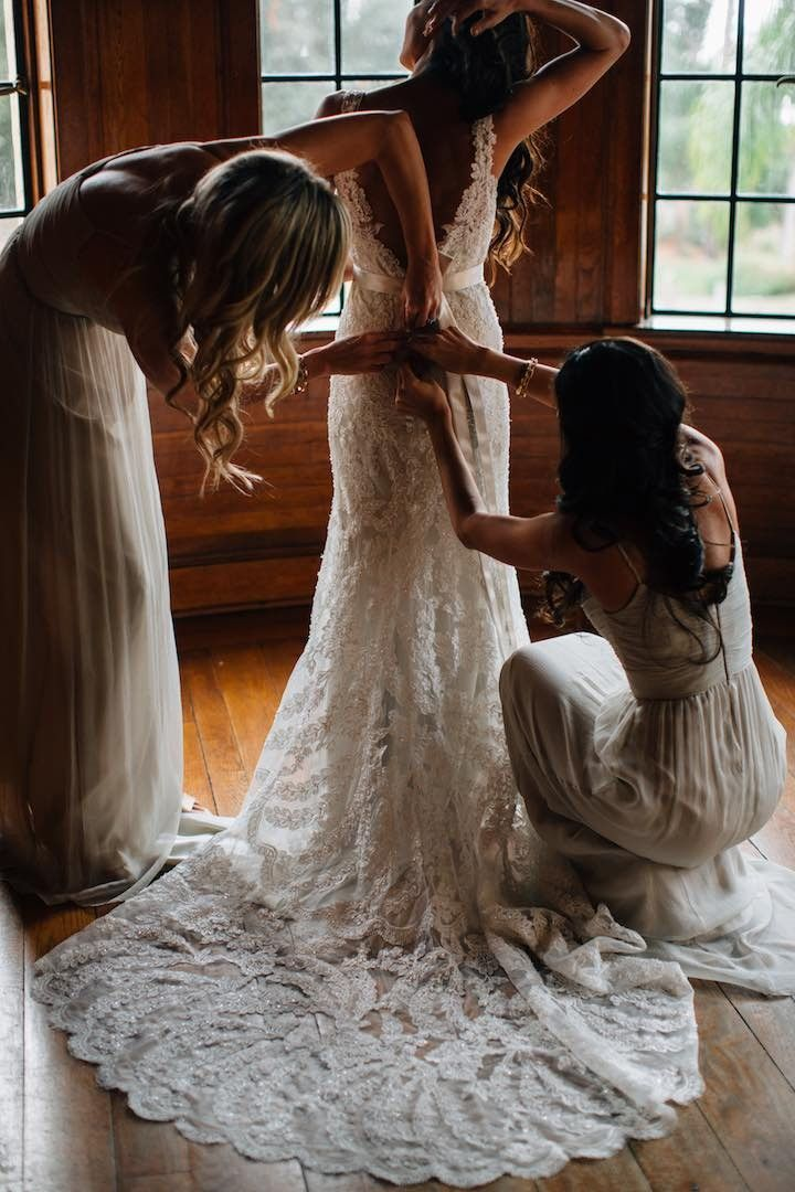 classic lace wedding dress; Photo: Kallima Photography