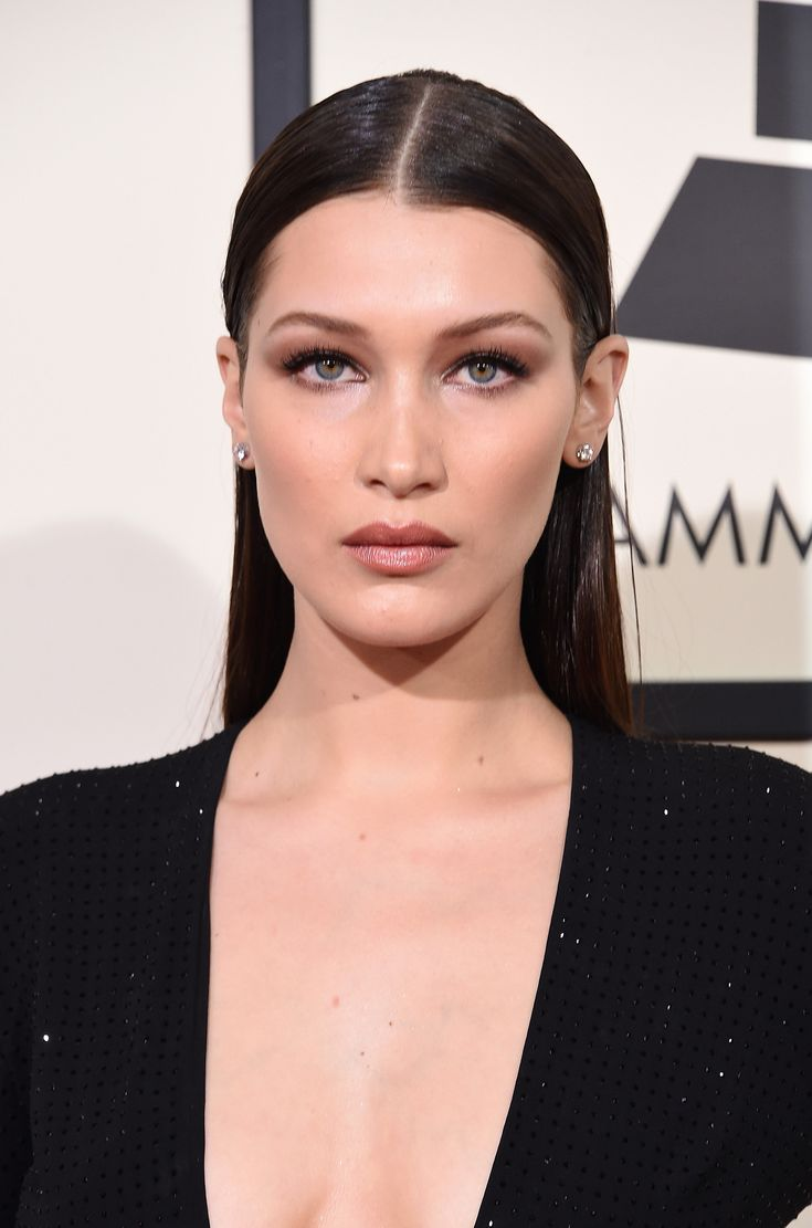 Bella Hadid aux Grammy Awards 2016.