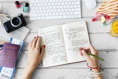 海外サイトの無料ダウンロード素材を使って、手帳をもっと素敵にアレンジしてみませんか。絵心がなくても、可愛い手書き風の手帳が作れますよ。