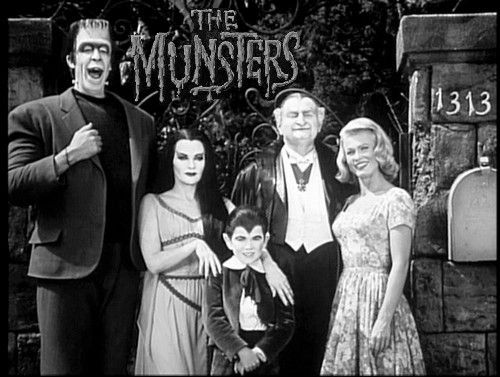 The Munsters, starring Fred Gwynne, Yvonne De Carlo, Al Lewis, Beverley Owen (1964), Pat Priest (1964–1966), Butch Patrick, 1964-1966, CBS.