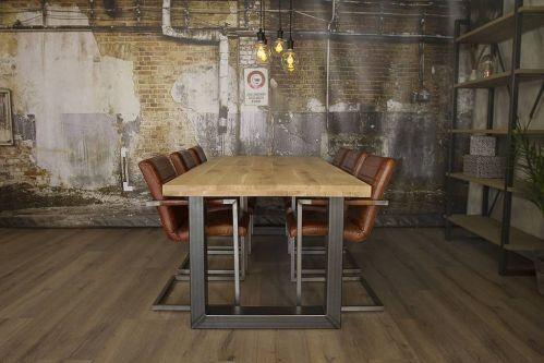 Diverse industriële onderstellen. Te combineren met prachtige robuuste tafelbladen. Te poedercoaten in elke ralkleur.