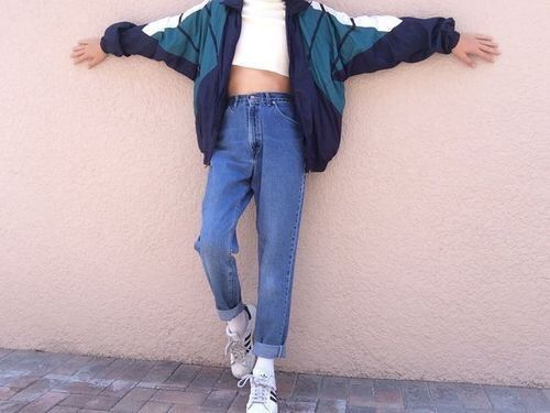 my fashion faves range from grunge, tumblr, carefree-ish, to baddie lolol baddie is probably my fave though