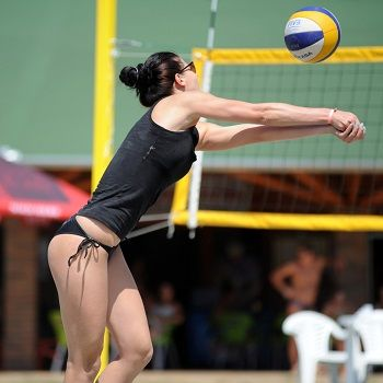 Volleyball shoulder injury prevention exercises. Your strength training program should include exercises that help prevent shoulder injuries.