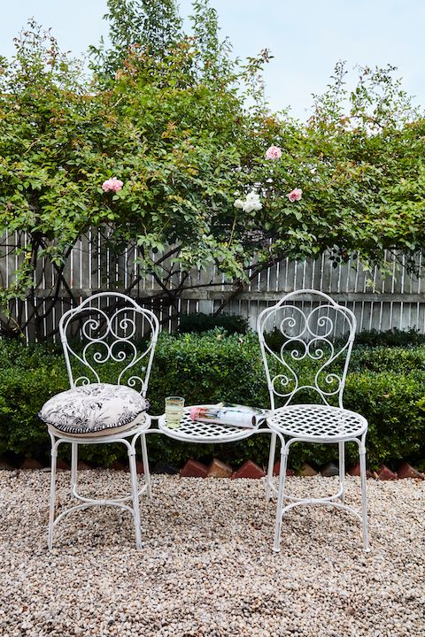 Viva L'amour - this Limited Edition French inspired love seat, will look amazing on a veranda, conservatory or even an entrance way.  The perfect setting for tea and croissants!