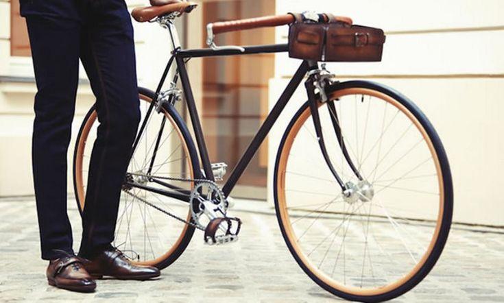 Berluti para Cycles Victoria; los accesorios de lujo para los amantes de las dos ruedas
