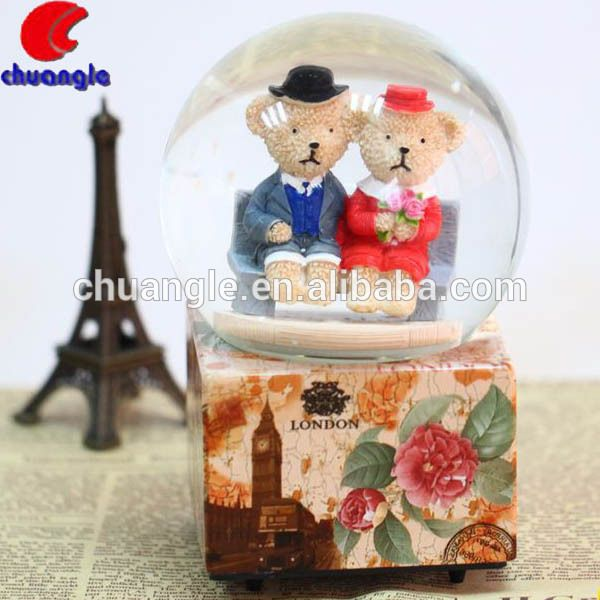 Paar sneeuwbol, menselijke sneeuwbol, huwelijksgunsten sneeuwbol-afbeelding-souvenirs-product-ID:60151054512-dutch.alibaba.com