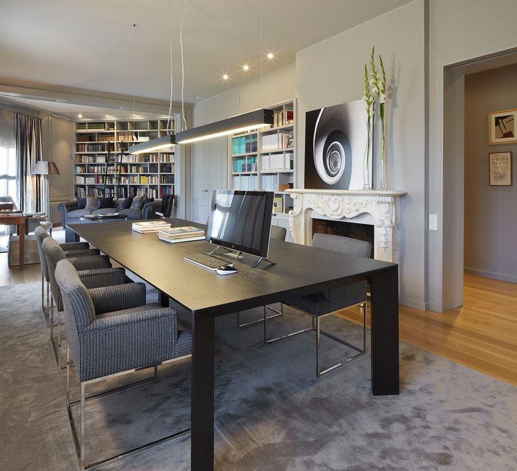 Molins Interiors // arquitectura interior - interiorismo - decoración - biblioteca - estudio - sala de estar - despacho - mesa - chimenea
