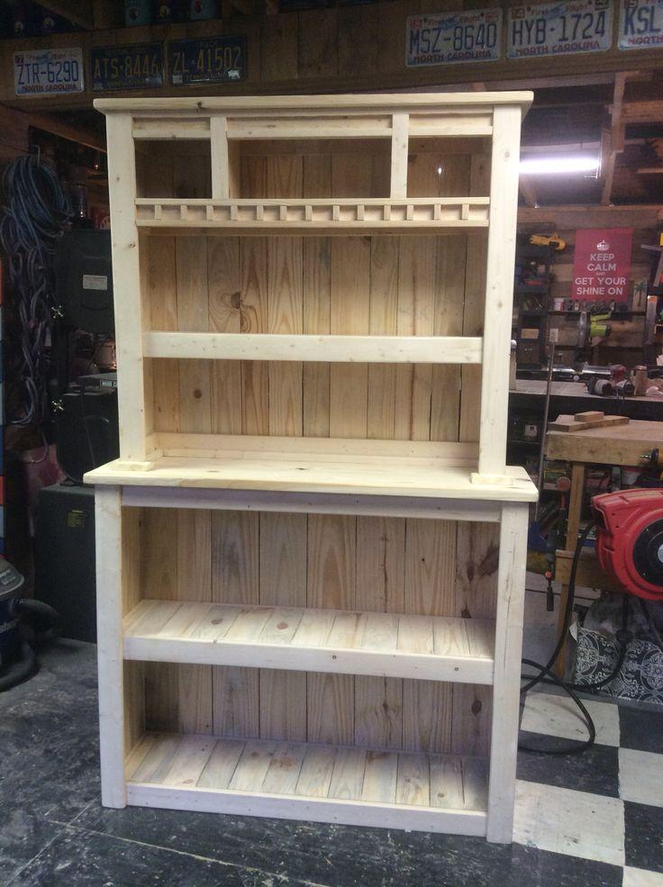 Pallet Bookcase w/Hutch