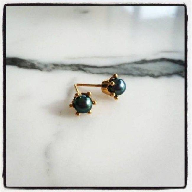 Crown Earrings with blue - black pearl Price: 25€