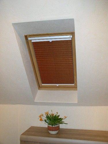 Schönes Dachfensterplissee zur Verdunkelung passend für ein Velux Fenster. Vielen Dank für die Zusendung.