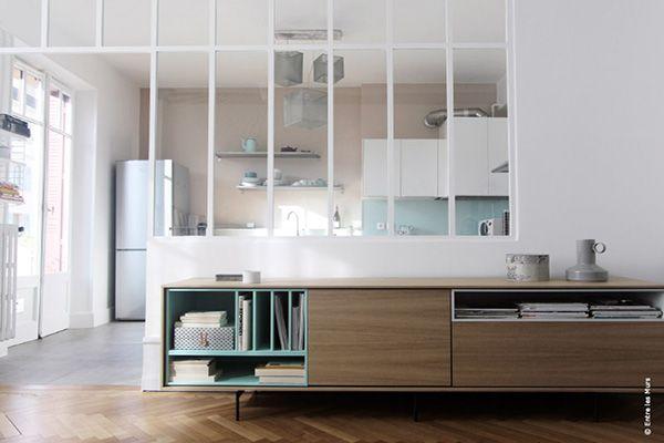 Séparation de cuisine avec une cloison vitrée de style verrière