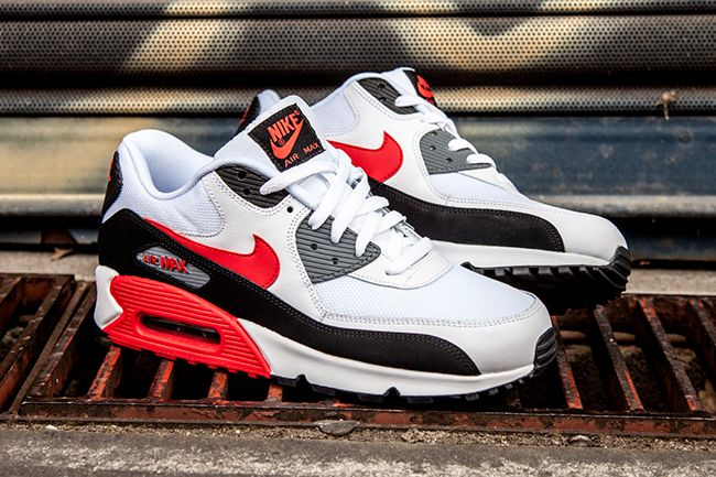 sports shoes 42287 ad8bc Sneaker Central - NIKE AIR MAX 90 - Foot Locker   better than high heels   Nike  air, Nike, Nike air max