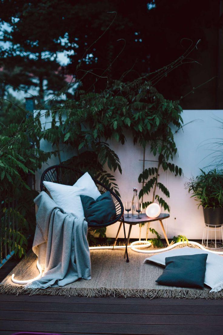 Smarte Outdoor Beleuchtung Fur Den Balkon In 2020 Outdoor Balkon Beleuchtung Leben Unter Freiem Himmel
