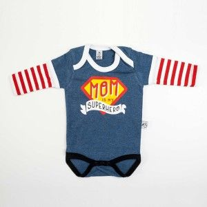 """Body """"Mom is my Superhero"""" maniche lunghe - Chi riesce a curare una ferita solo con un bacetto? Chi trasforma le lacrime in sorrisi? Chi ha il superpotere di sconfiggere tutti i cattivi che vogliono farti del male? Solo la mamma! http://www.freebirdbabyshop.com/abbigliamento/body/body-mom-is-my-superhero.html"""