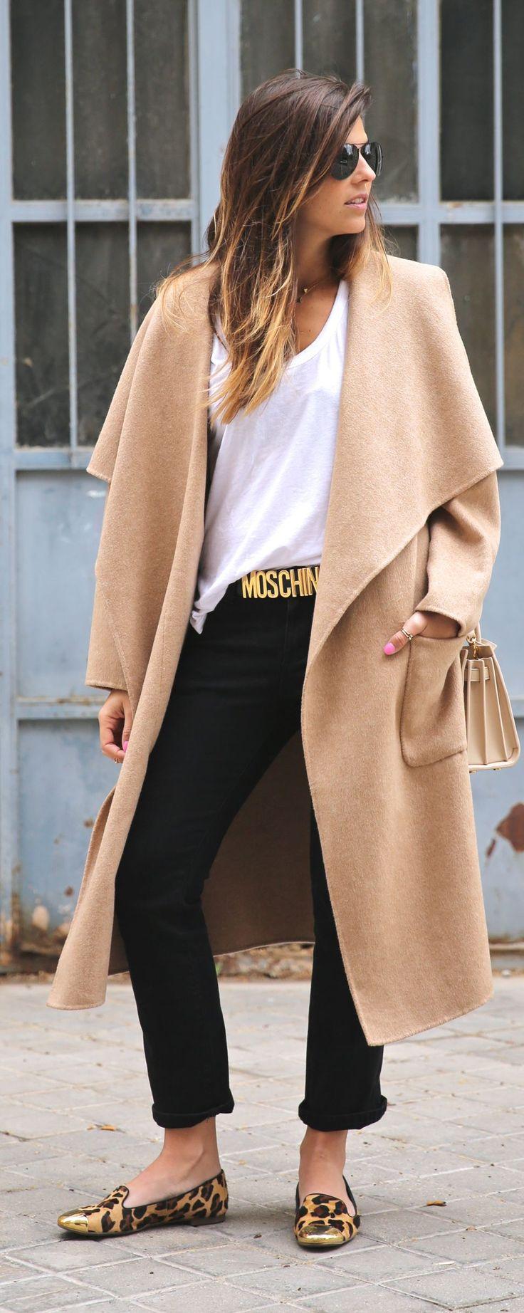 #street #style camel coat + Moschino belt / casual @wachabuy