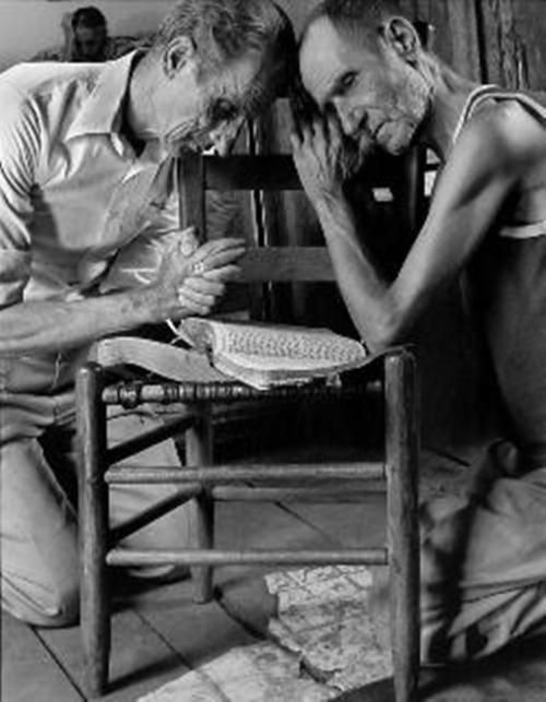 darksilenceinsuburbia:    Shelby Lee Adams, Brothers Praying, 1993