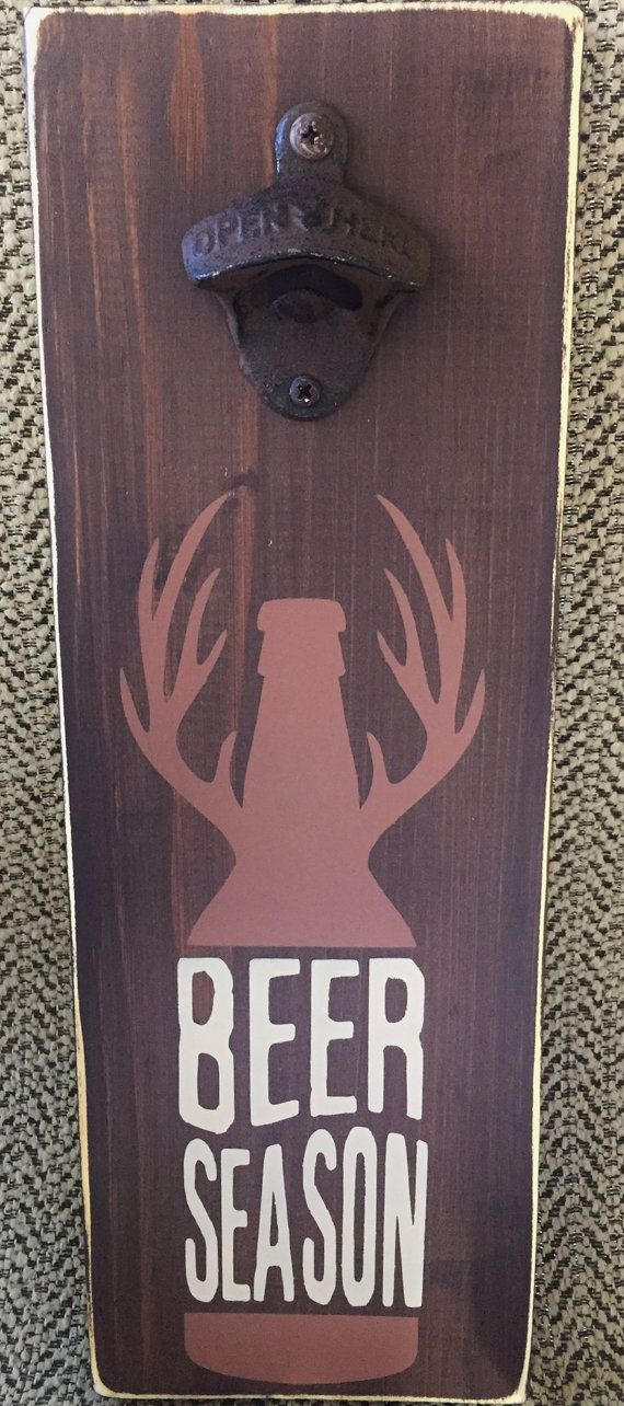Wooden beer bottle opener with deer paint by SweetPeaInAPodDesign / Ouvre - bouteille, décapsuleur mural en bois dessins bois de cerf