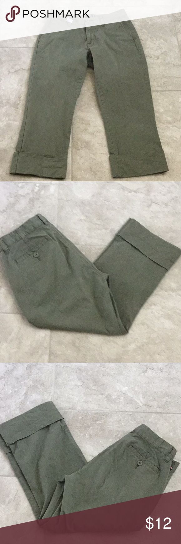 "Polo Jeans Co. Ralph Lauren Capri Pants Size 6 Polo Jeans Co. Ralph Lauren Capri Pants Size 6 Army Green Color Measures 14.5"" waist (29"" total) Inseam measures 21.5"" Leg opening 8"" Rise measures 8.5"" Thanks for looking! Polo by Ralph Lauren Pants Capris"