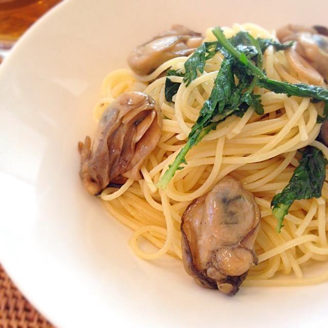 初めて作ってみた牡蠣のオイル漬け。まずはパスタで。絶品‼︎ - 22件のもぐもぐ - 牡蠣のオイル漬けと春菊のパスタ by rosso23