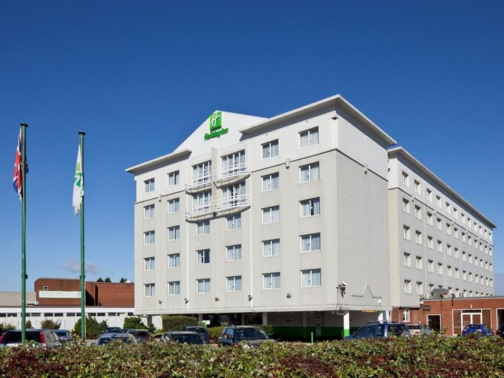 Basildon Holiday Inn Basildon United Kingdom, Europe Stop at Holiday Inn Basildon to discover the wonders of Basildon. The hotel has everything you need for a comfortable stay. Free Wi-Fi in all rooms, 24-hour front desk, express check-in/check-out, room service, meeting facilities are there for guest's enjoyment. Comfortable guestrooms ensure a good night's sleep with some rooms featuring facilities such as television LCD/plasma screen, non smoking rooms, air conditioning, he...