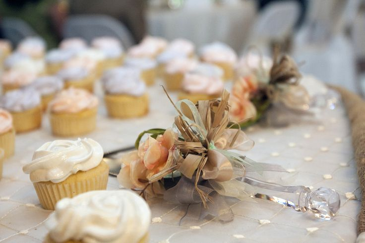 cupcakes and palette knife