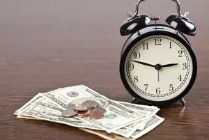 Ask a Travel Nurse: Do Travel Nursing Companies ever post the hourly rate for jobs on their website?