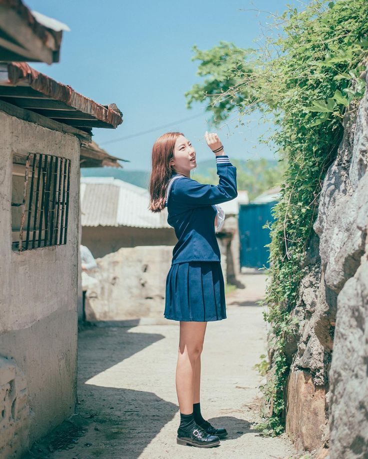 날씨 참 좋더라 .  . . .  #portrait #scene #uniform #sailor #suit #spring #girl #nikon #d750 #50mm #lightroom #vintage  #sunshine #pastel #daily #snap #인물사진 #감성사진 #일상 #스냅 #빈티지 #파스텔 #봄 #교복 #세라복 #순천시 #순천드라마세트장 #여행 #금딩이의작업실 by soraqoomo