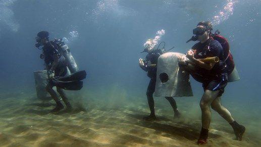 Underwater work - Divers building artificial reefs in the Philippines #kilroy #diving #divers #volunteering