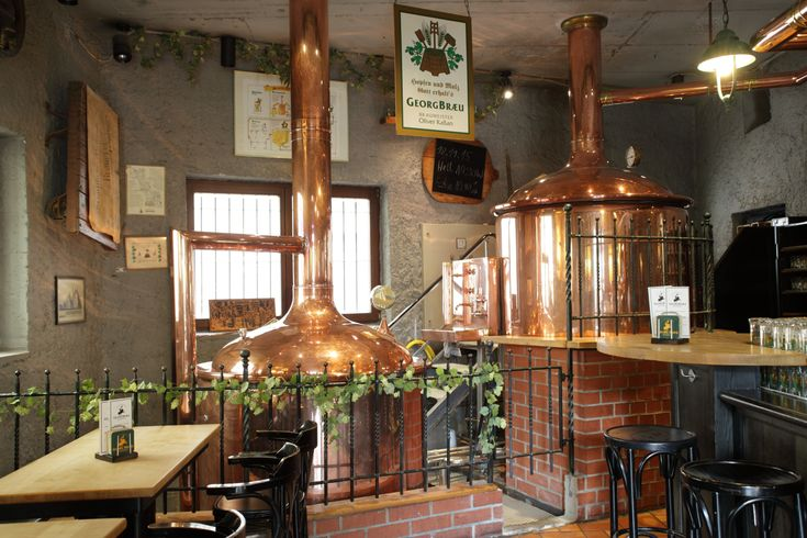 Berlin brewery.Freshly crushed malt, ground water of Berlin and fresh hop varities shape the body of our beer and make it an unique taste adventure.