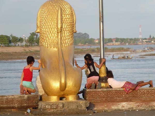 http://www.viaggivietnamcambogia.com/viaggi-di-lusso-in-vietnam/crociera-di-lusso-vietnam-15-giorni.html