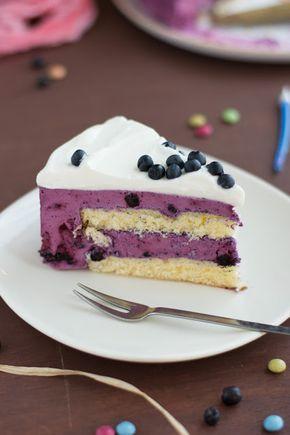 Chic, chic, chocolat...: Gâteau d'anniversaire aux myrtilles et au yaourt grec
