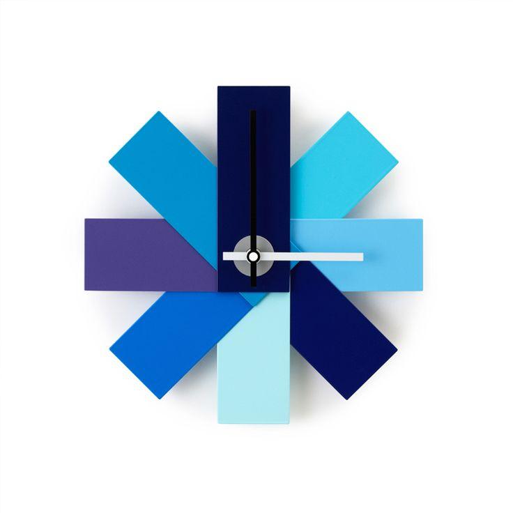 top3 by design - Normann Copenhagen - Rasmus Gottliebsen - NM watch me wall clock blue