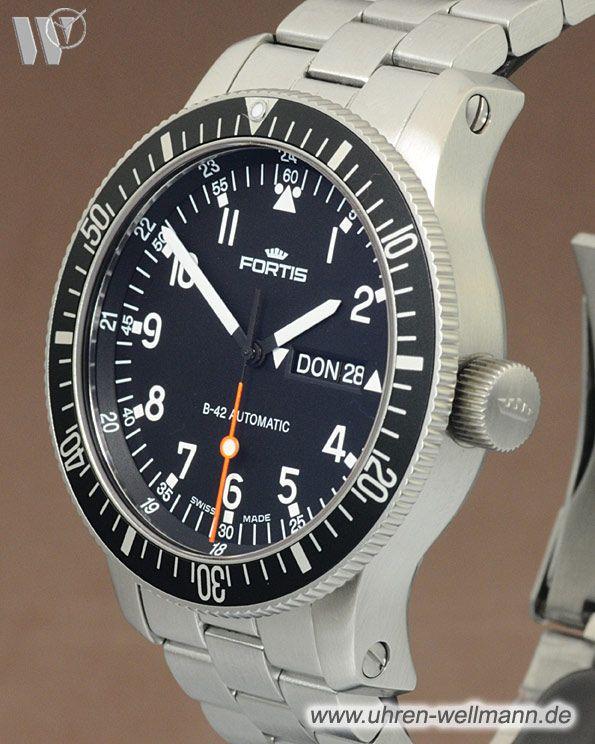 Fortis B-42 Official Cosmonauts Day-Date, Referenznummer: 647.10.11M, Herrenuhr, Gehäusematerial: Stahl (4266) -- www.uhren-wellmann.de --