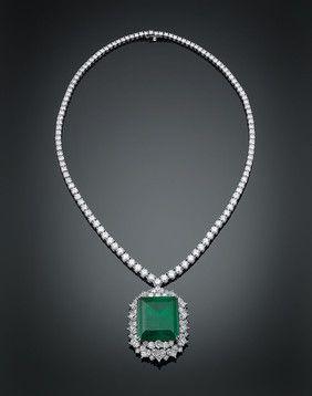 Colombian Green Emerald & Diamond Necklace